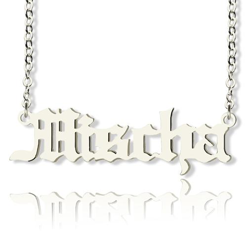 Personalisierte Halskette mit in altenglischer Schrift Sterling Silber